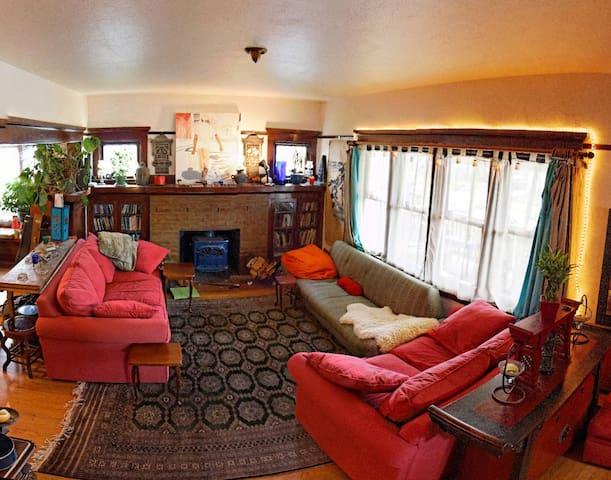 Authentic Portland, Levity Lodge #3