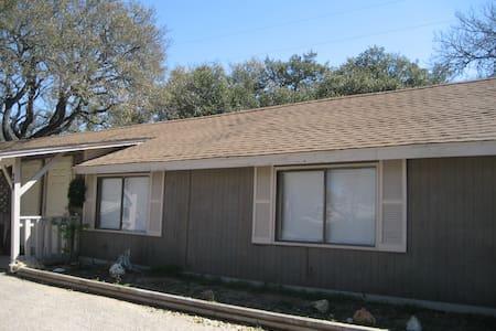 Welcome to your SXSW Cottage~ENJOY~ - Austin