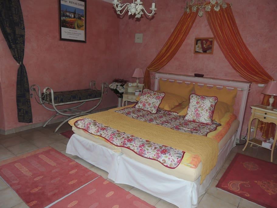 la bastide des anges suite jasmin chambres d 39 h tes louer grasse magagnosc provence. Black Bedroom Furniture Sets. Home Design Ideas
