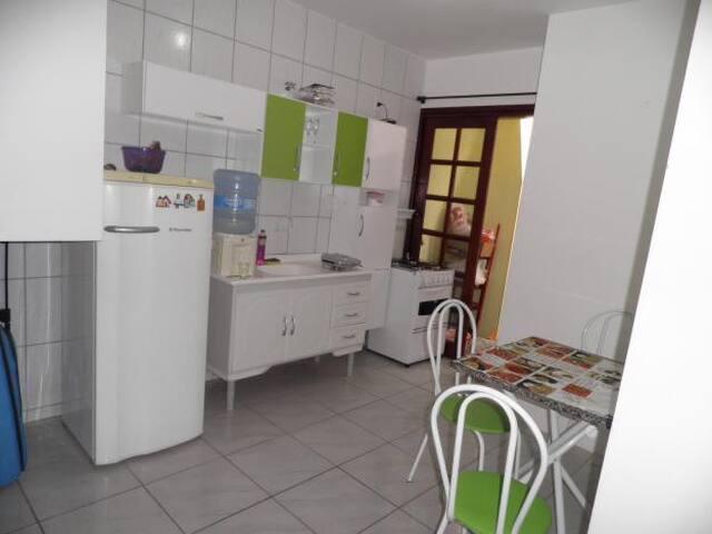 Alugo apto p/ temporada em Floripa - Florianopolis - Apartment