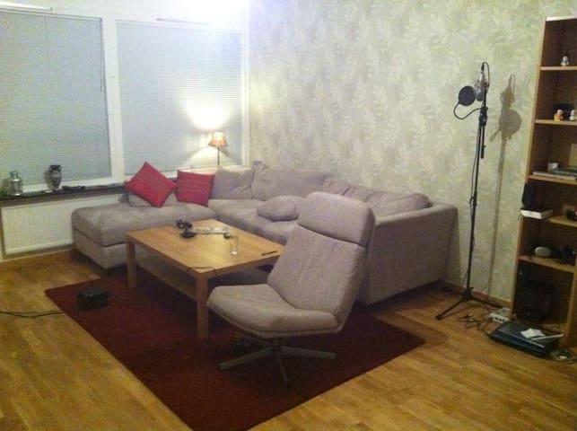 Chill Room In Stockholm, Sweden - Järfälla - Apartment