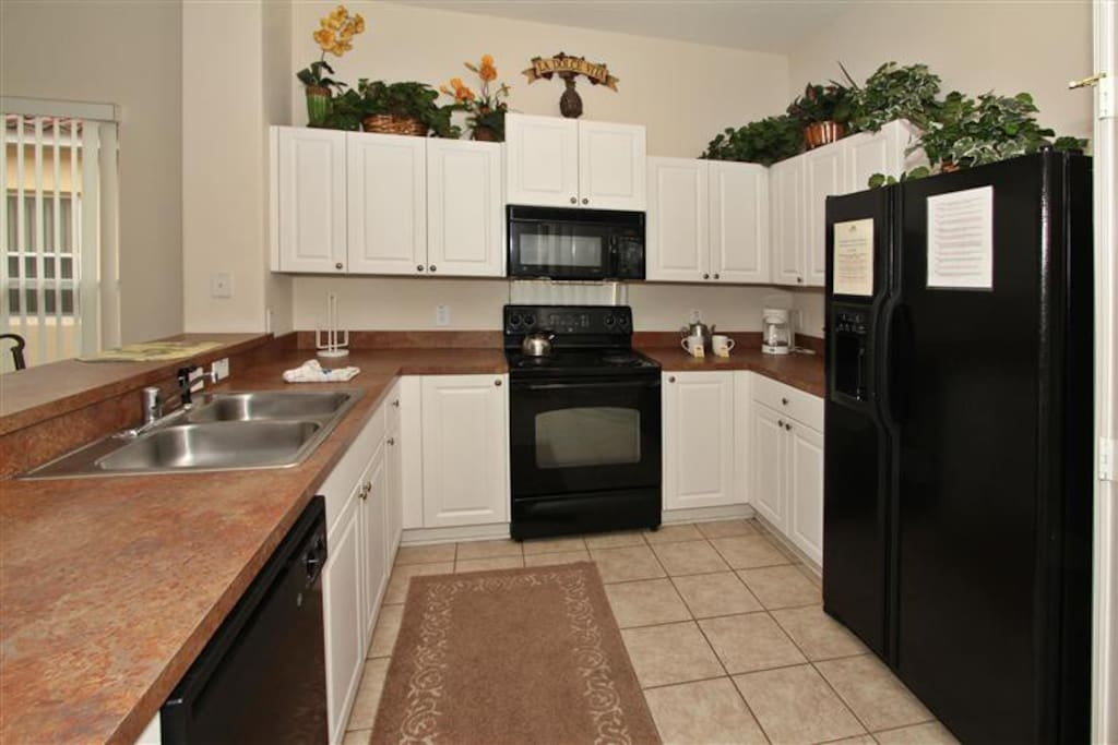 Large Kitchen with all the appliances