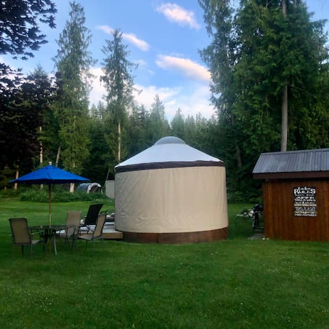 Small Glamping Yurt