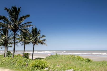 Beach House Brazil, Suarao/Itanhaem - イタニャエン