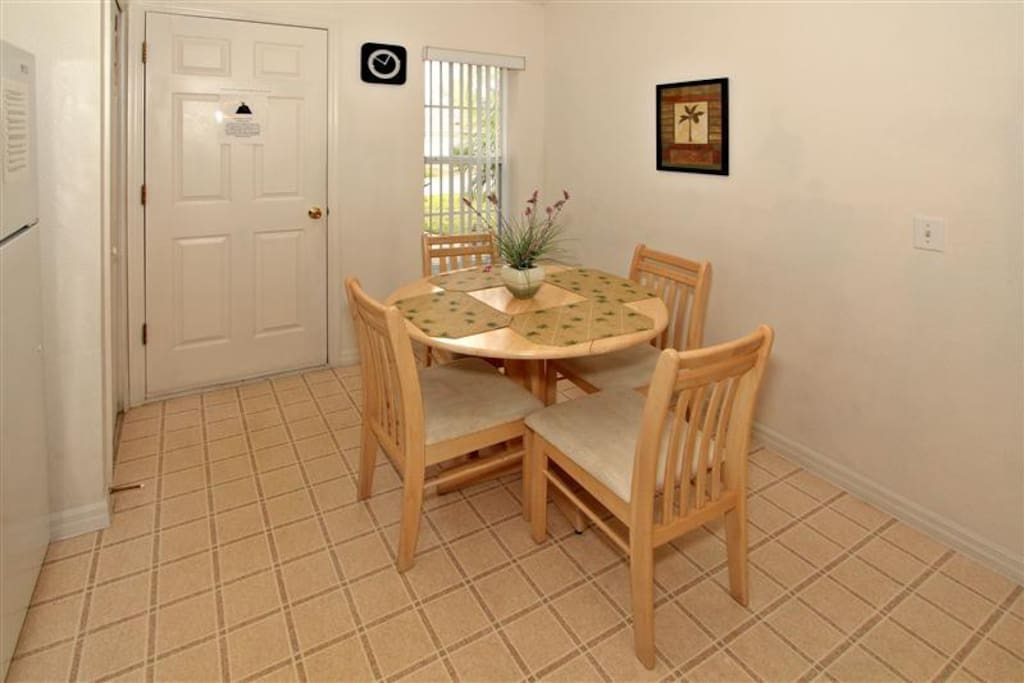 Eating Area for 4 People in Kitchen