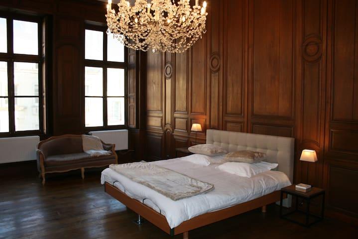 Le Mouton d'Or, une demeure du 17°s - Châlons-en-Champagne - Lejlighed