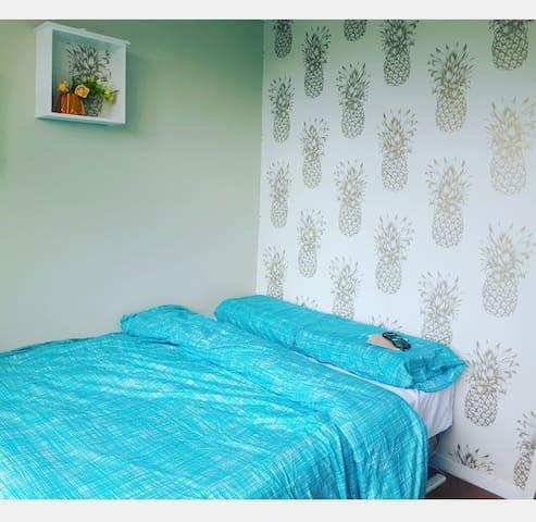 Pineapple room in remuera