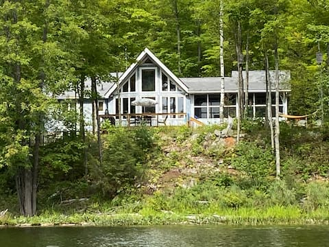 Gorgeous Cottage Vacation all year/Lake of Islands