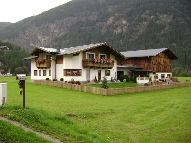 Apartment, 5 pers. Oetztal, Tirol - Oberried