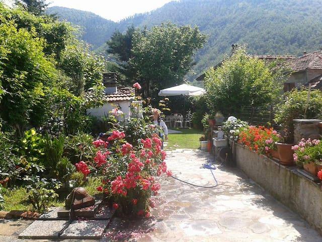 Casa vacanze Jacopo e Azzurra Comano Alta Toscana - Comano - Vakantiewoning
