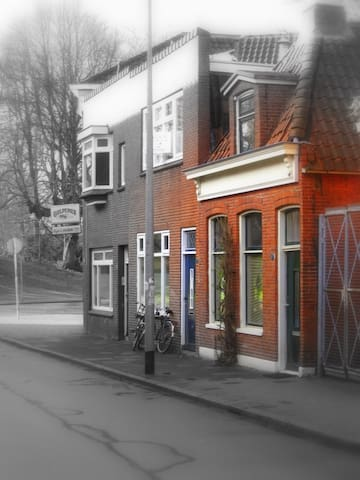 Charming House Downtown Groningen - Groningen - Hus
