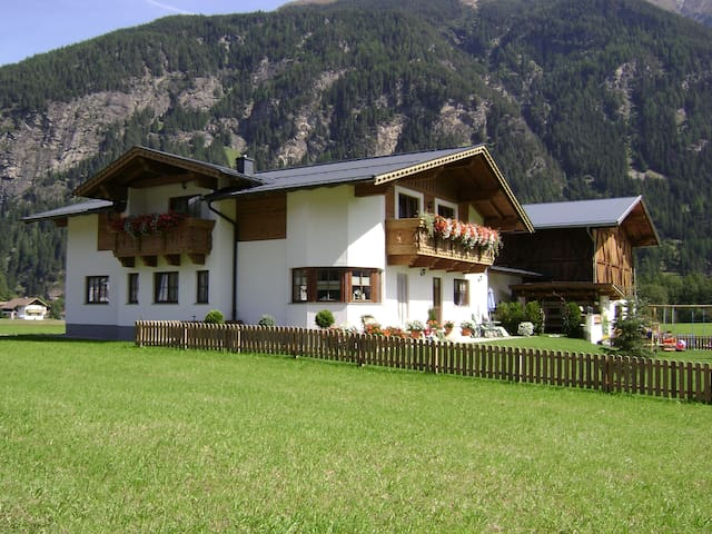 Apartment, 6 pers, Oetztal, Tirol - Oberried