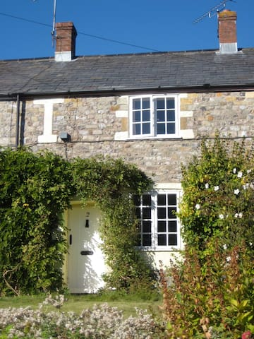 West Dorset Countryside Retreat  - Thorncombe - Dům