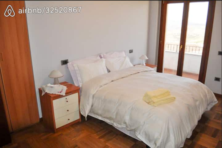 Room with Double Bed - Shared Bathroom