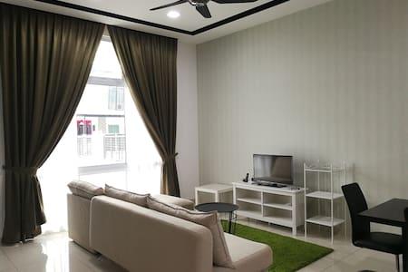 ★Brand New House★ Bandar Seri Alam, Masai 8-12ppl