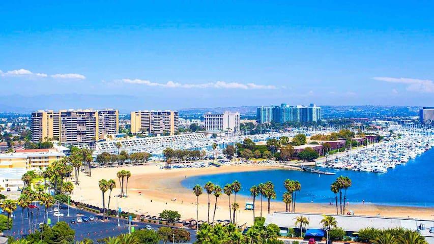 Perfect Cali Experience   Walk To Beach   Pool Gym