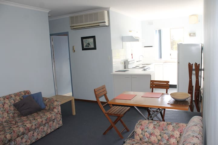Close to Clipsal, WOMAD and Fringe - Kent Town - Apartamento