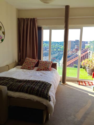 Amazing panoramic view - private roof terrace - Bristol - Leilighet