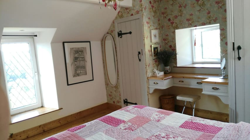 Charming,quaint , cottage room - Inistioge, County Kilkenny, IE - Hus