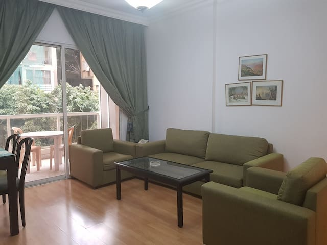A Lovely Spacious 1BR Apartment in Hamra Center