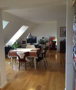 Bright and spacious flat with balcony. - Aarhus