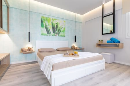 Akalli Luxury Studios-Mint Room
