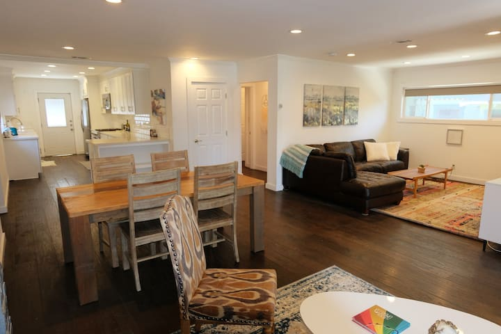 Spacious Highland Park House minutes to everything