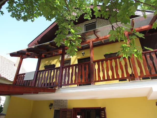 Bazsi Apartman-emelet (duplex apartman)
