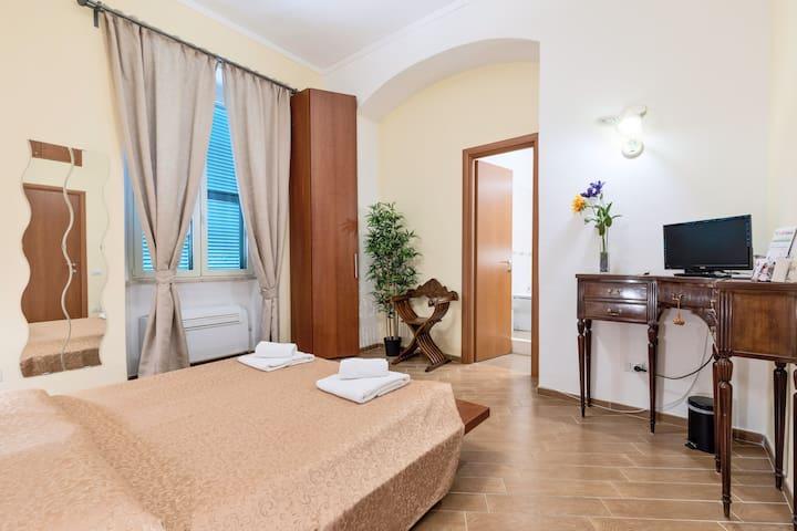 MICLAD B&B: Colosseum Guest House - Suite Augusto - MATRIMONIALE
