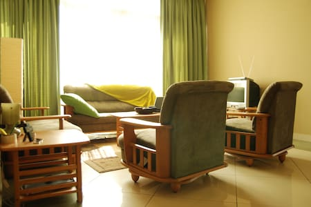 Cosy and spacious serviced aprts - Addis Ababa - Apartment