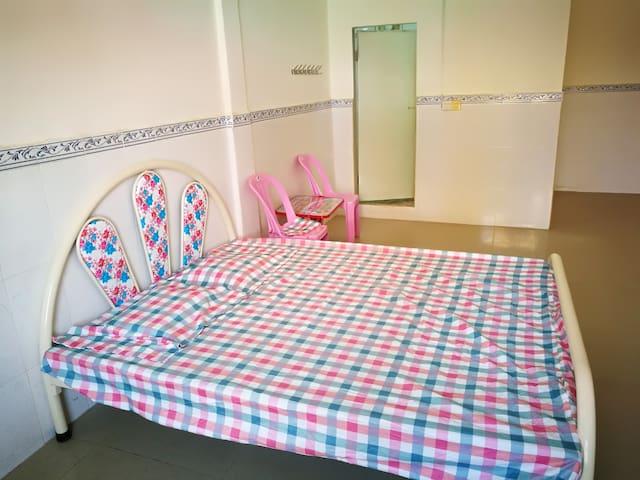 双人间标准双人床独立卫生间