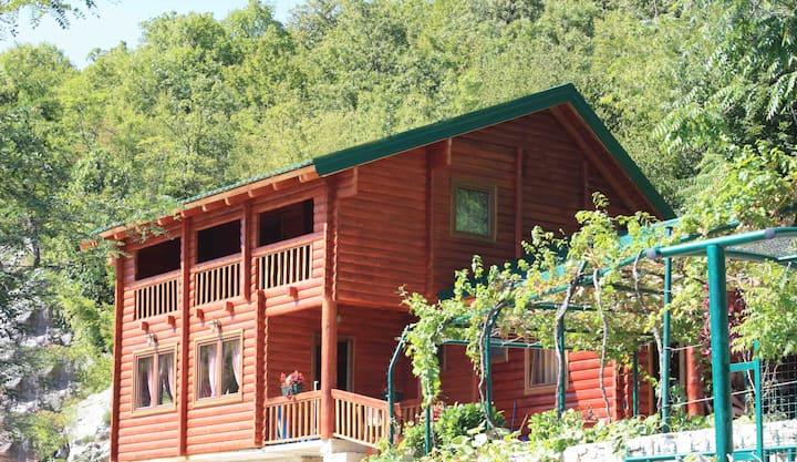 Holiday Village Ostrog ( cozy bungalow 2)