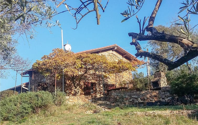 Holiday cottage with 2 bedrooms on 80m² in Roquebrun