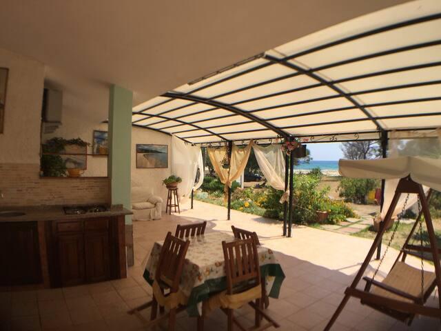 Villa Rei casa fronte spiaggia con accesso diretto