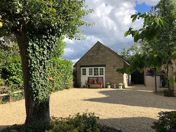 The Cotswold Cottage