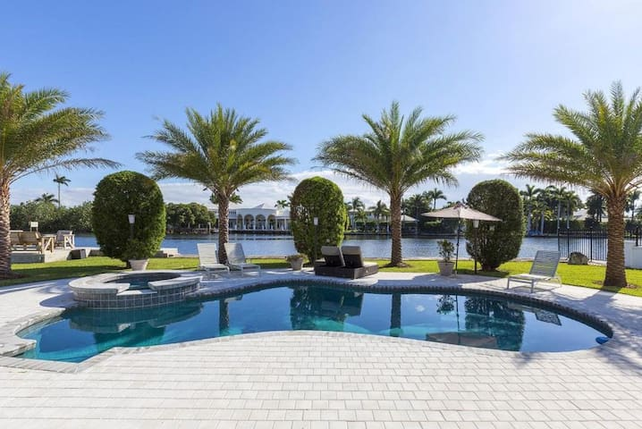 Delray Beach Point Lot Gated Compound Intracoastal