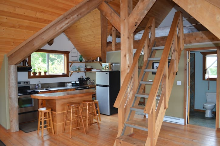 Harbour Hideout Vacation Rental - Ucluelet - Cabin