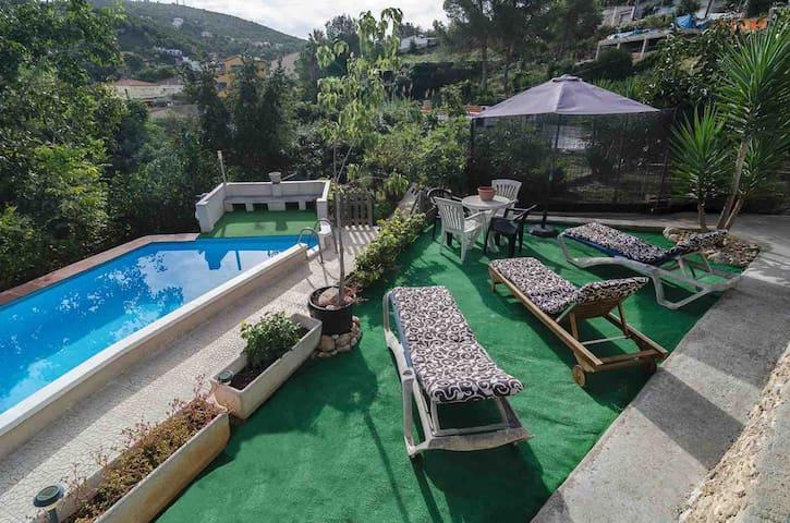Casa de campo con piscina en zona muy tranquila