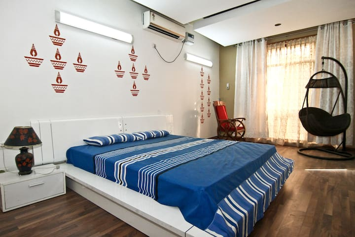 A Serene Villa in Greater Noida !!