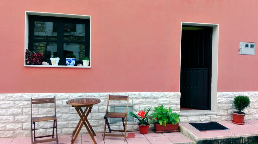 Bonita casa de pueblo en la zona de LLanes - Riego - House