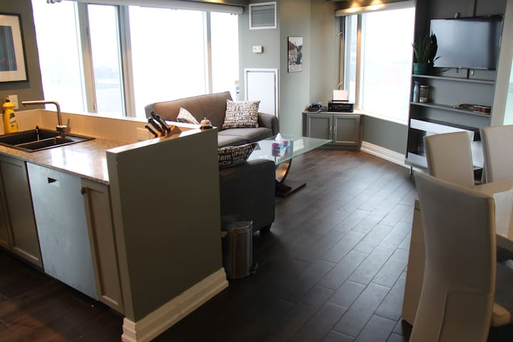 18th Floor Apt. in Heart of Toronto - Toronto - Appartement