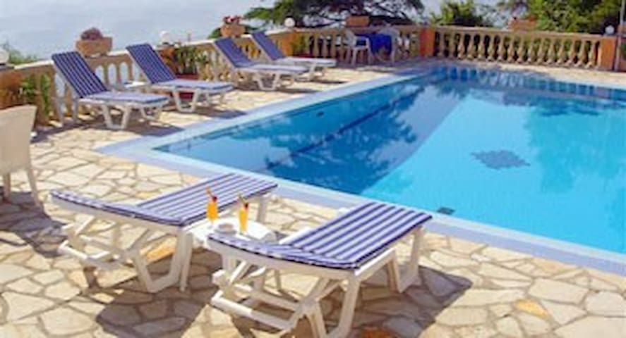 Oniro- Mountain view apartment 2-4p - Corfu - Apartamento
