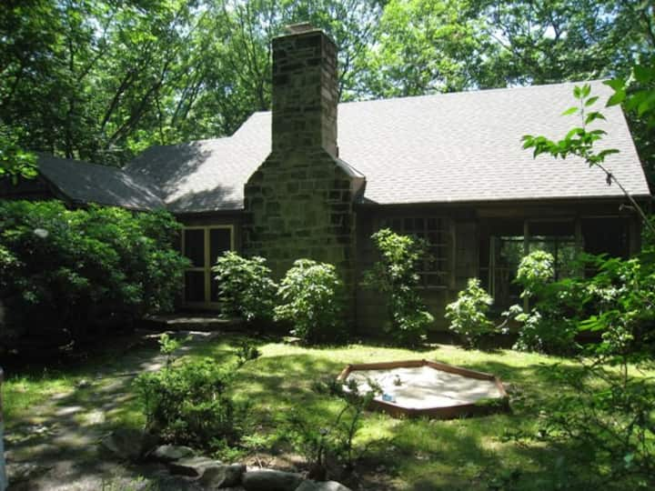 Beautiful lakeside summer home