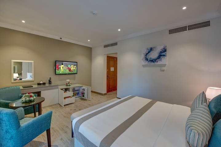 BRAND NEW - EXQUISITE HOTEL-NEAR MALL OF EMIRATES