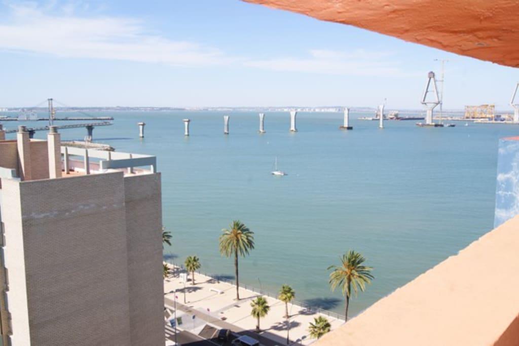 Vistas espectaculares de la Bahía de Cádiz y los pueblos de alrededor.