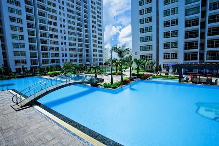 Wow! 2 bedroom, Pool & River Views - Ho Chi Minh City - Daire