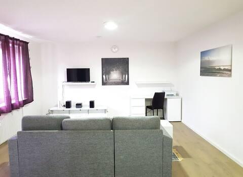 90m2 Wesel Apartment für Gruppe-3 Zimmer mit Küche