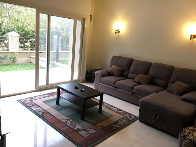 Cosy studio with a private garden in New Cairo - New Cairo City - 公寓