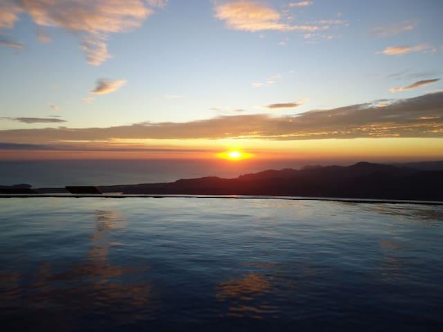 COFFEE PLANTATION  / MOUNTAIN VILLA/ OCEAN VIEW - LOS ANGELES DE NANDAYURE  - Villa
