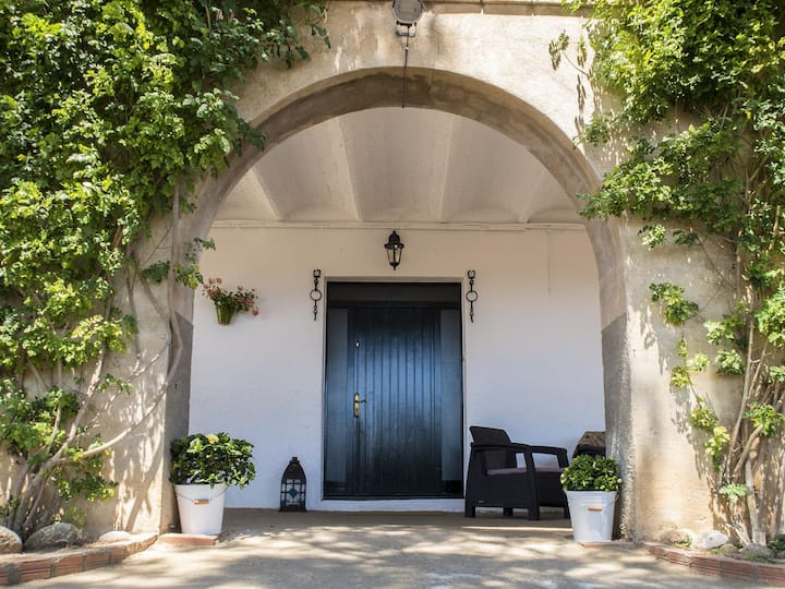 Costabravapartment - Can Roura, 5kms to the beautiful Costa Brava beaches.